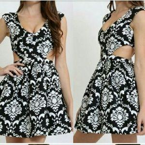 Mono print cut-out chic dress